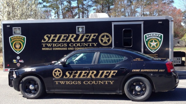 How honest should a sheriff be?
