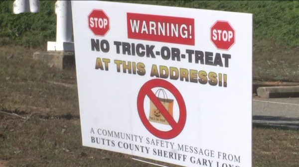 Halloween sign challenge suffers setback